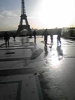 パリに帰ってきました